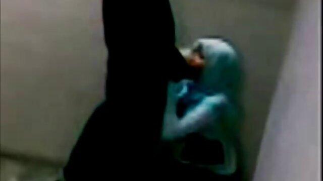 ناضجة أمي يحصل لها الحمار مارس الجنس من قبل ابنه في الحمام افلام جنسية اجنبية وعربية