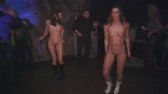 جمعت مع التبول الفراخ في افلام اجنبية الجنس مرحاض عام