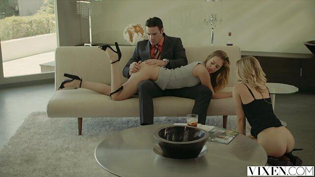 يتم تصوير زوجين مشاهد جنسيه اجنبيه شابين في الفيديو الخاص اللعين معا