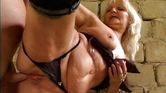 غير لائقة twerking و افلام اجنبية مثيرة جنسيا تظهر L. على الكاميرا