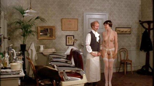 اثنين مشاهد جنسية من افلام اجنبية من مبيعات امرأة تجلس على الديك