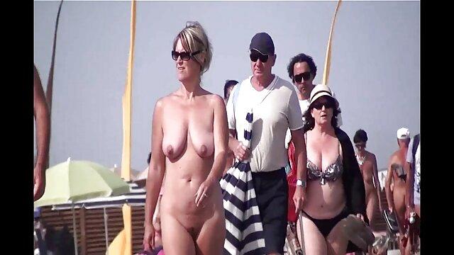 شقراء افلام جنسية اجنبية مترجمة يظهر على الكاميرا كس والتنمية الحالية لها