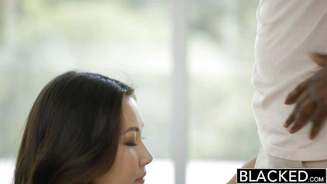 ممزق السراويل افلام اجنبية رومانسية جنسية الجنيه من خلال ثقب