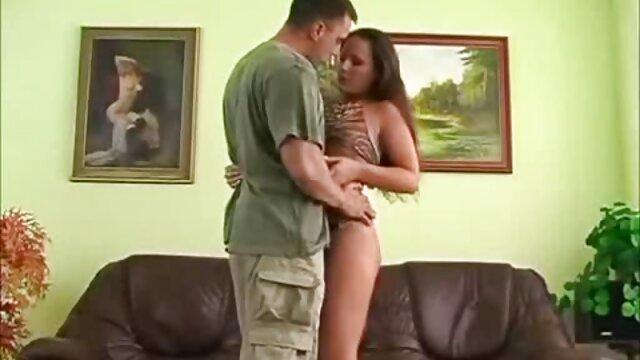 ناضجة زوجته في جوارب يغوي عشاق الروسية مشاهد جنسيه من افلام اجنبيه