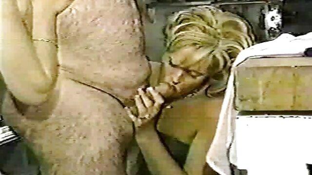 سلوتي ممرضة جيد جدا القيام مشاهد جنسية من افلام اجنبية به