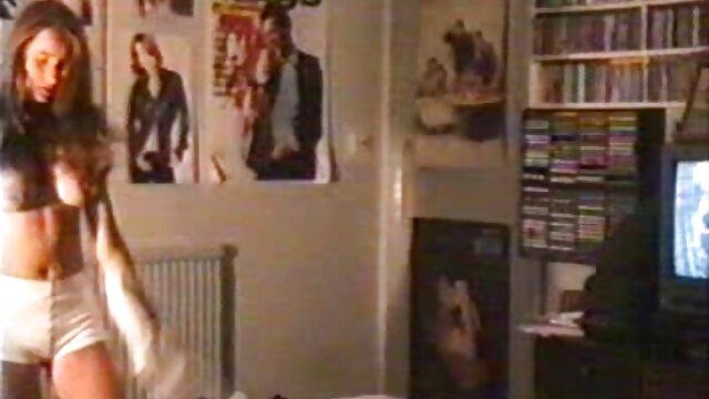 الفتاة في جوارب يخدم العديد من افلام جنسيه اجنبيه كامله الأعضاء