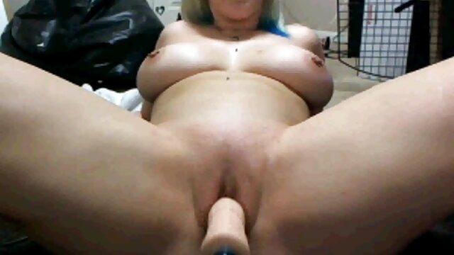 عارية عاهرة في الحمام الحب الثلاثي الجنس لقطات جنسيه من افلام اجنبيه مع شريك